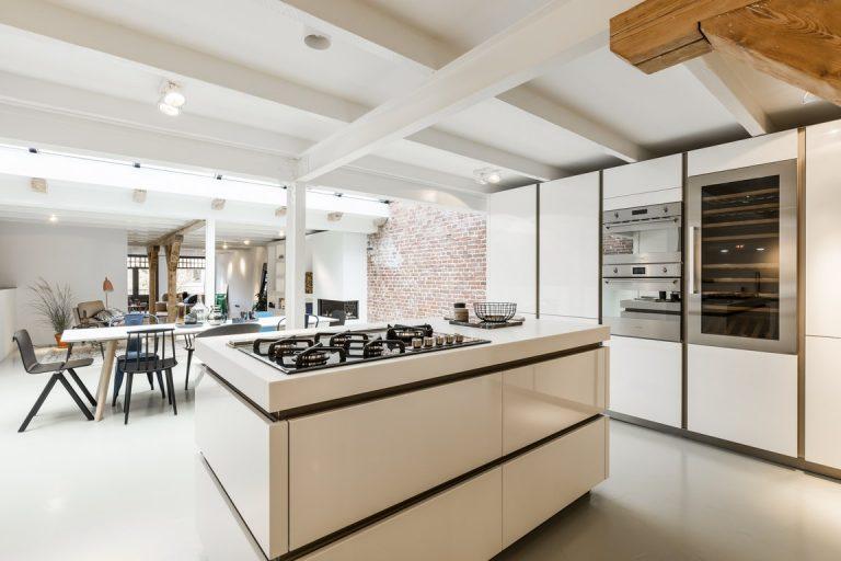 http://www.inrichting-huis.com/wp-content/afbeeldingen/eettafel-woonkamer-open-keuken-14.jpg
