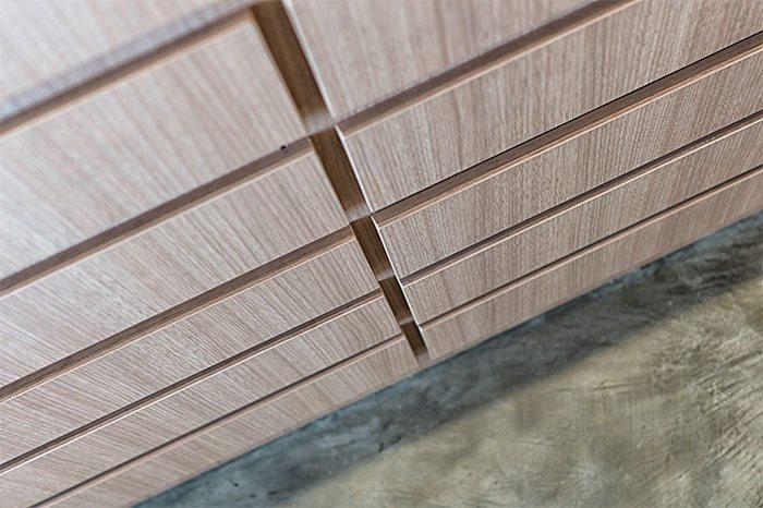 eiken-houten-ladekasten-inloopkast