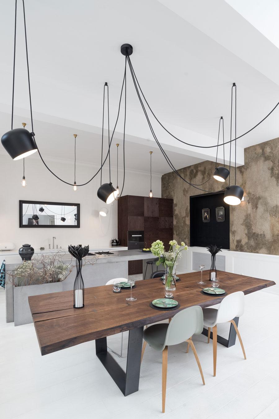 flos hanglampen boven eettafel
