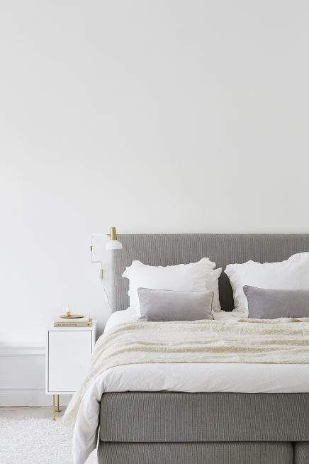Frisse chique slaapkamer met gouden details  Inrichting-huis.com