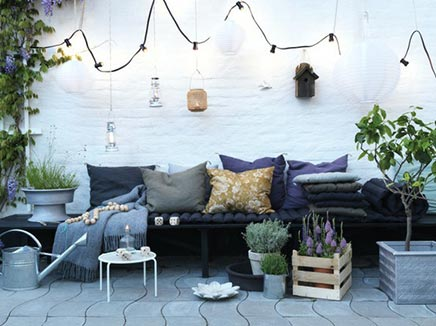 Gezellige tuin door accessoires