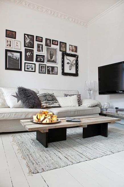 Gezellige witte woonkamer uit Zweden