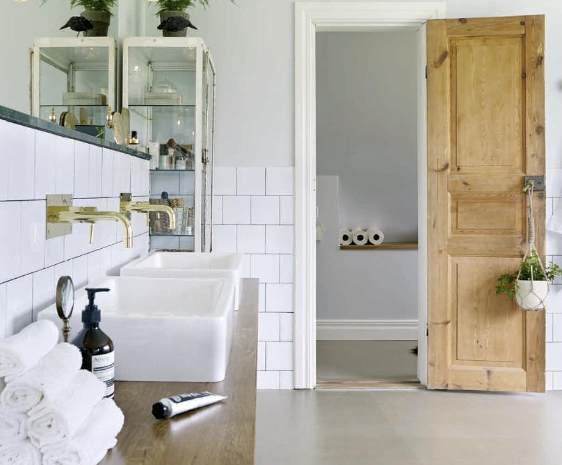 Badkamer Wanden : Gietvloer en half gestucte wanden in de badkamer ...