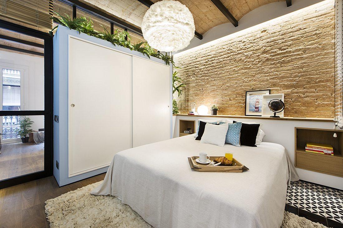 glazen-deur-stalen-kozijnen-slaapkamer