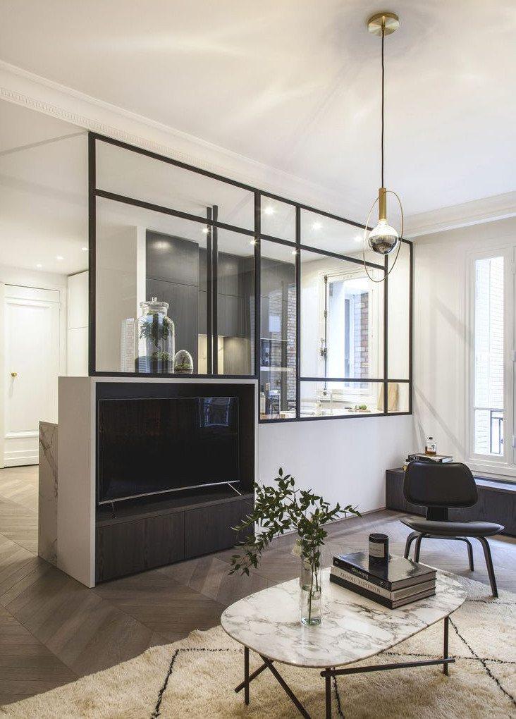 glazen scheidingswand zwarte kozijnen woonkamer keuken