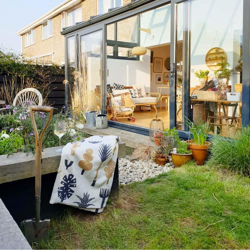 glazen uitbouw tuin
