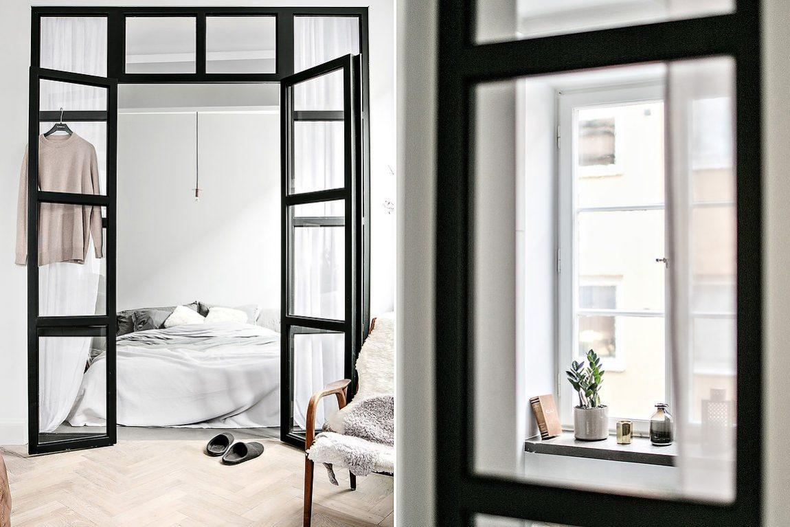 Glazen wand en stalen kozijnen tussen slaapkamer en woonkamer in ...