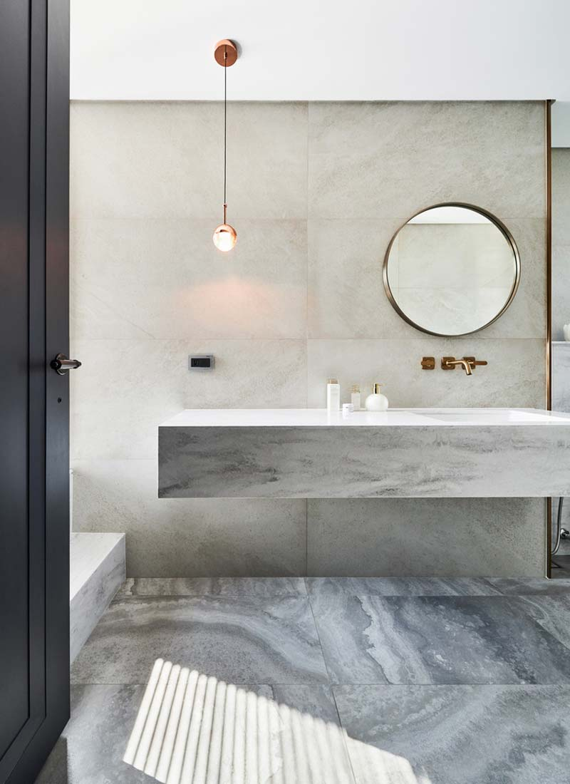 gouden accenten badkamer