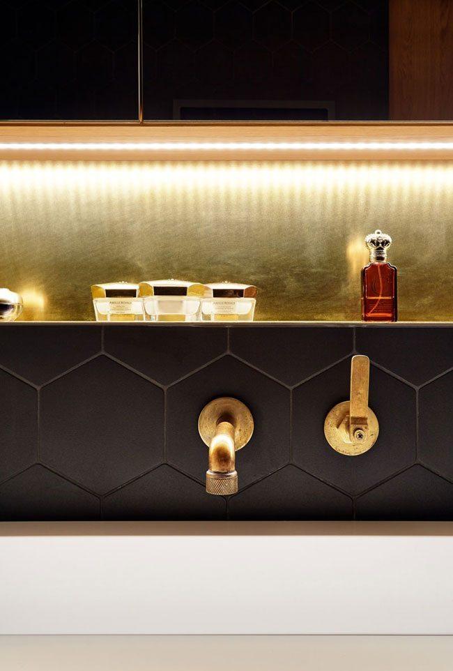 gouden-kraan-badkamer