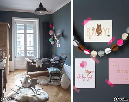 Grijze kinderkamer in een oud charmant appartement