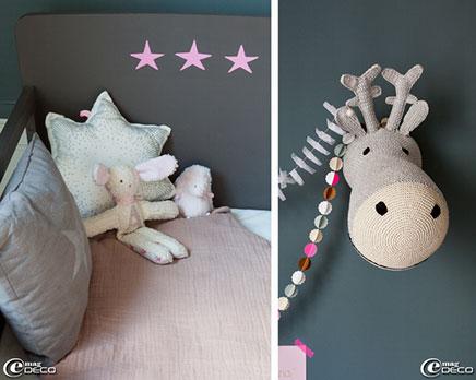 Grijze kinderkamer in een oud charmant appartement inrichting - Kinderkamer grijs en roze ...