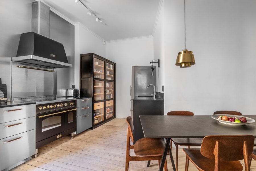 grijze muur keuken