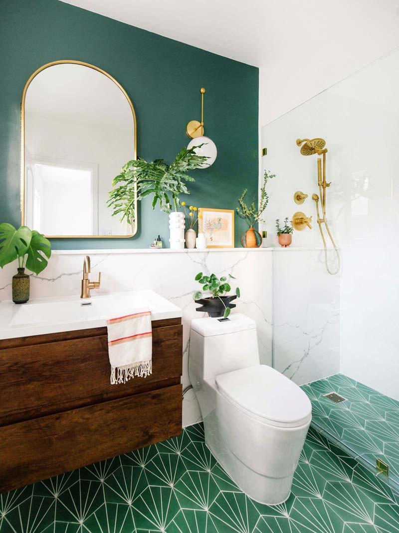 Groen interieur groene tegels badkamer