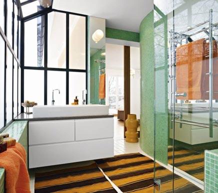 Groene badkamer met serre