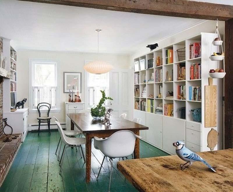 Groene houten vloer verven