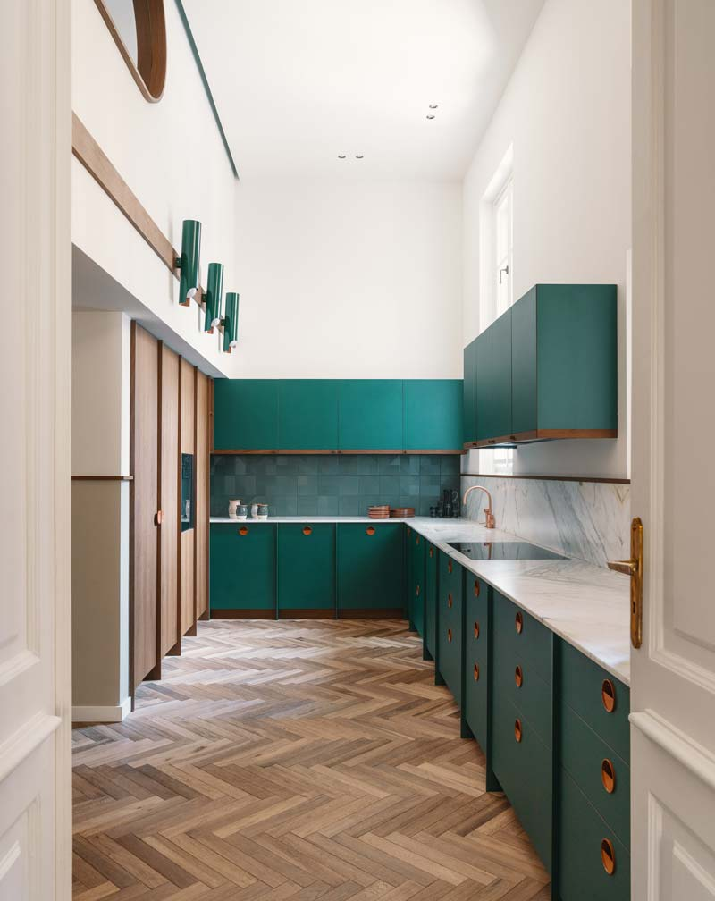 groene keuken visgraat vloer