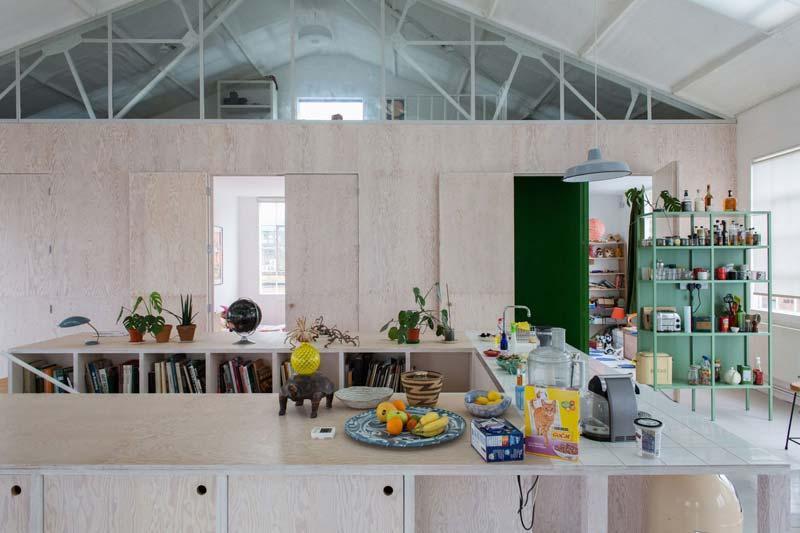 groene stellingkast keuken