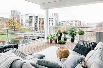 Groot vierkant balkon inrichting - Rechthoekig woonoppervlak ...