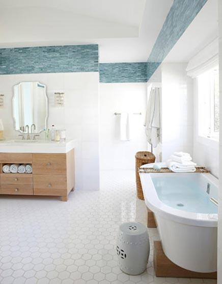 Große frische Badezimmer