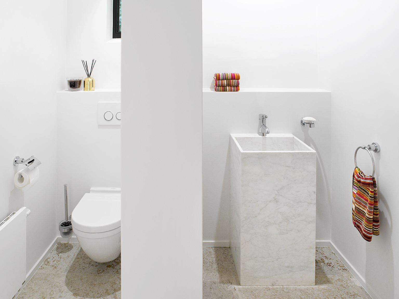 hangend toilet fonteintje marmer