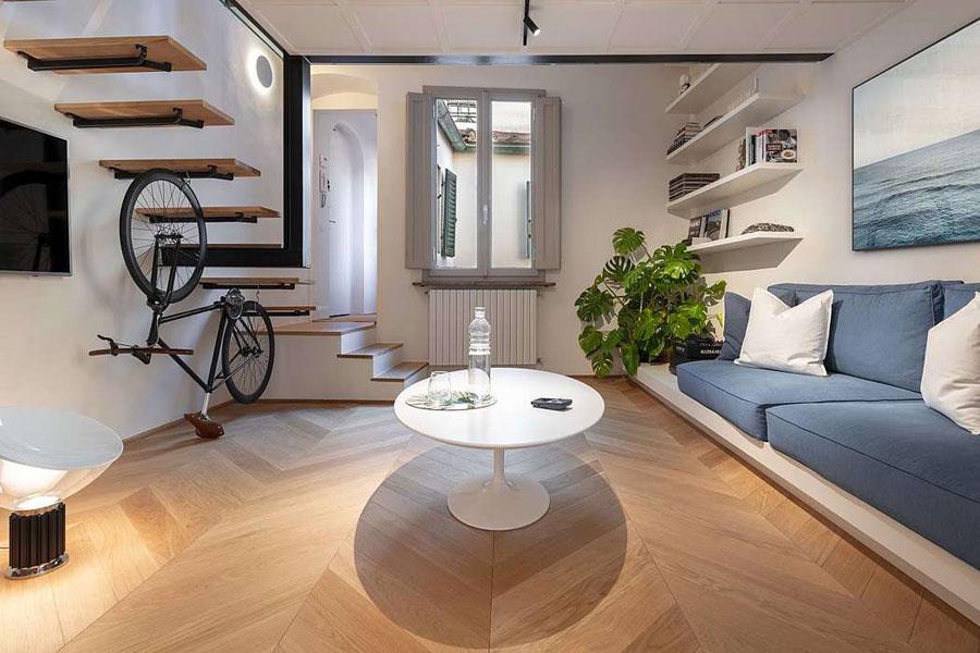 Dit kleine appartement hebben ze gekozen voor een prachtige lichte eikenhouten Hongaarse punt vloer.