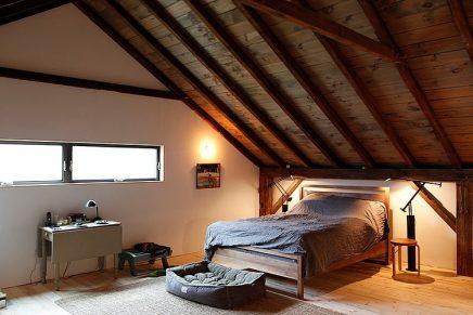 Super mooi energiezuinig huis inrichting - Slaapkamer met zichtbare balken ...