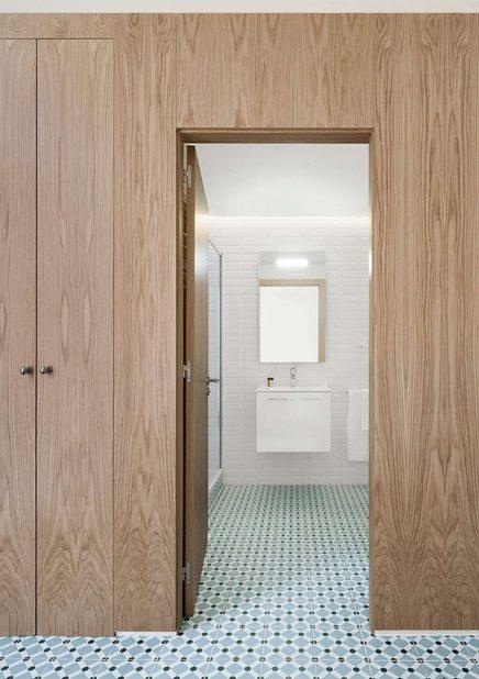 ... houten keukenwand bijvoorbeeld maar ook nieuw geplaatste blokken voor