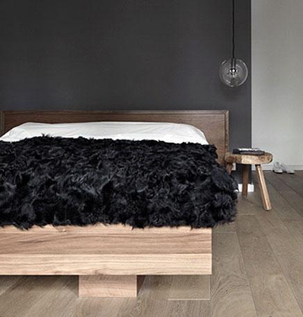 Houten elementen in slaapkamer