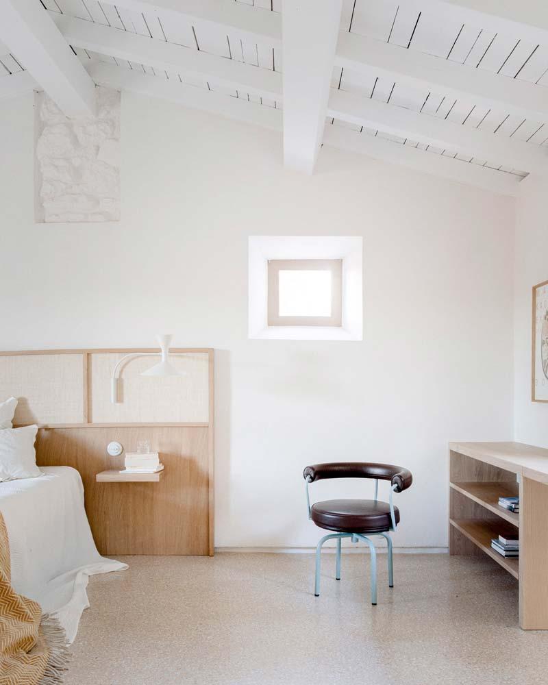 houten hoofdbord bed