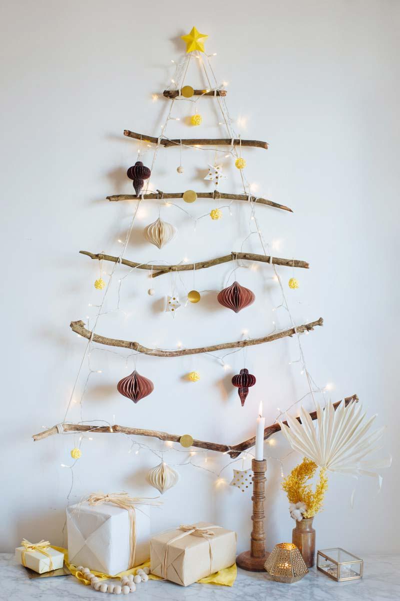 Houten kerstboom maken takken