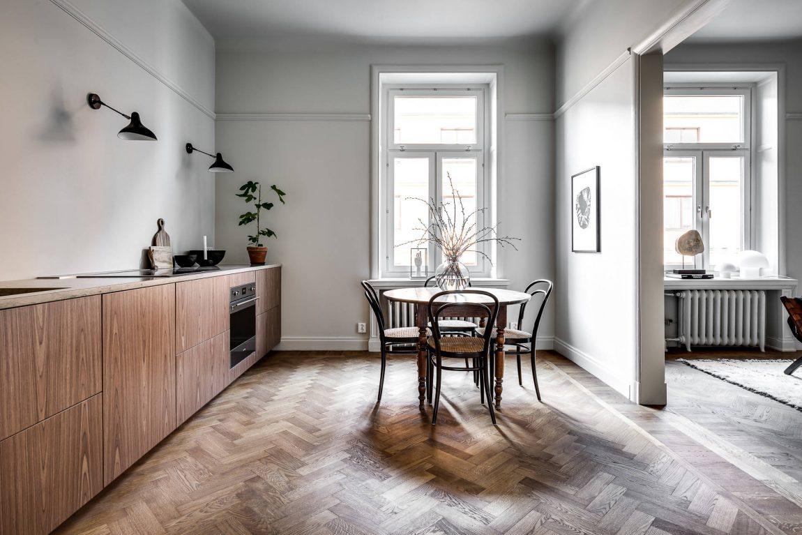 Visgraat Vloer Keuken : In deze mooie keuken hebben ze gekozen voor houten keukenkasten