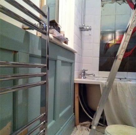 De flamingo badkamer inrichting for Houten lambrisering in de badkamer