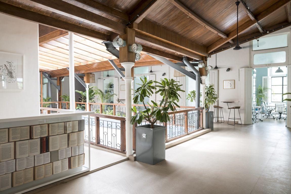 houten-plafond-flexwerkplek