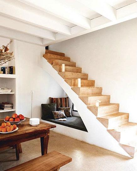 http://www.inrichting-huis.com/wp-content/afbeeldingen/houten-trap.jpg