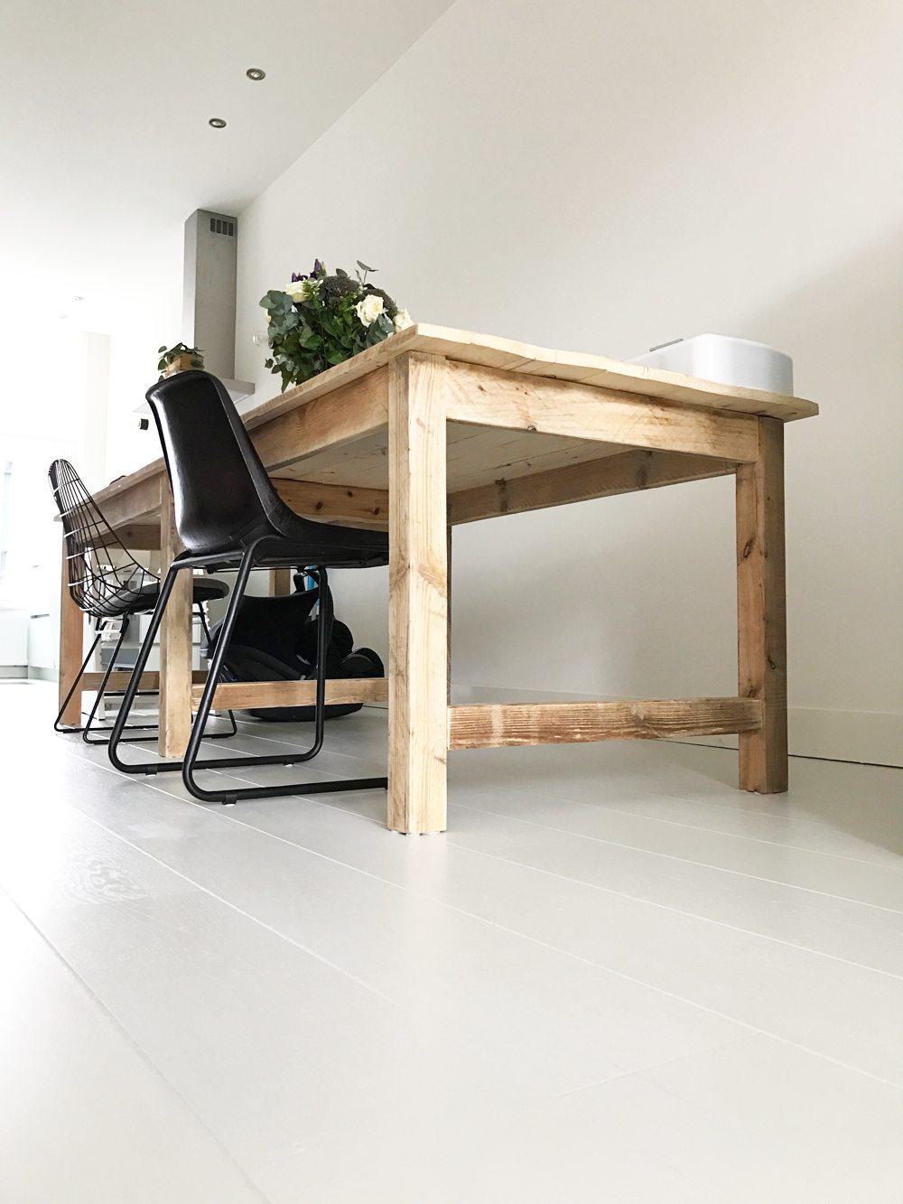 houten-vloer-lichtgrijs-schilderen