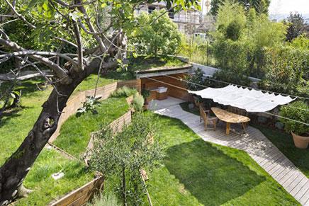 Tuin ontwerp met hoogteverschillen inrichting - Terras dek idee ...
