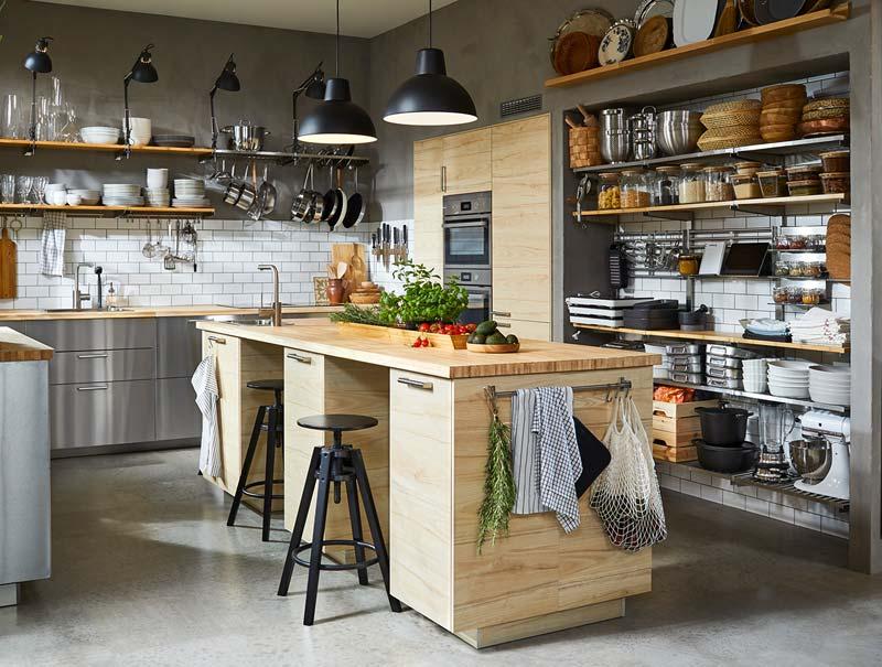ikea catalogus 2021 stoere keuken rvs kasten met eiland