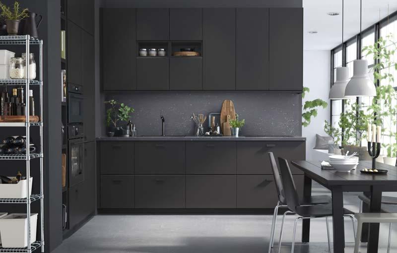 Mat zwarte IKEA keukens
