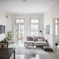 In dit kleine Scandinavisch appartement vind je hele leuke knusse hoekjes!