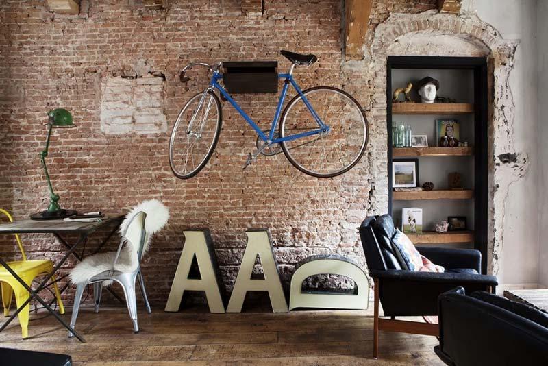 industrieel interieur wanddecoratie fiets aan de muur