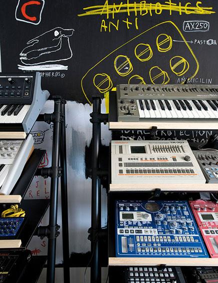 Industriële interieur inrichting van DJ Jay Cumhur