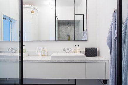Spiegel Zwart Staal : Industriële klassieke chique badkamer inrichting huis.com