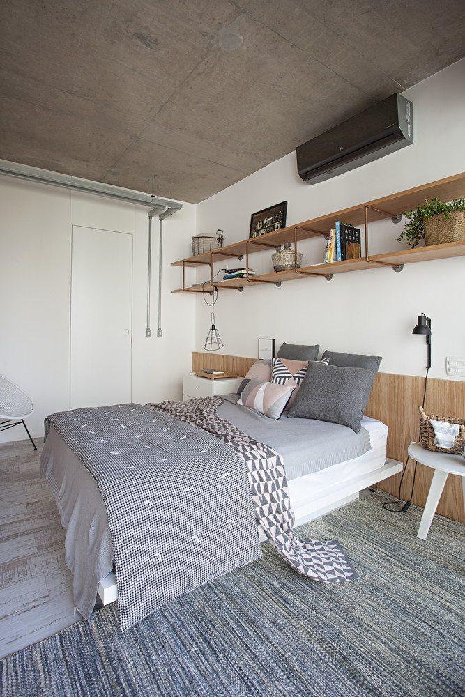 Industriële slaapkamer met een inloopkast én badkamer   Inrichting ...