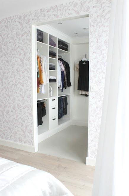 kleine slaapkamer met inloopkast – artsmedia, Deco ideeën