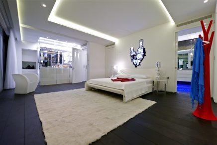 Inloopkast van 'One of best penthouses for sale ever'!