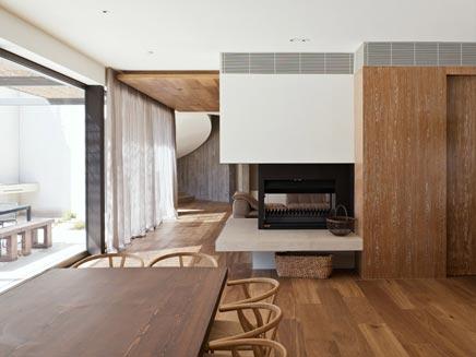 De inrichting van het Yarra huis in Melbourne