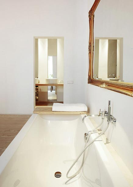 Interieur inrichting klooster woning in Barcelona