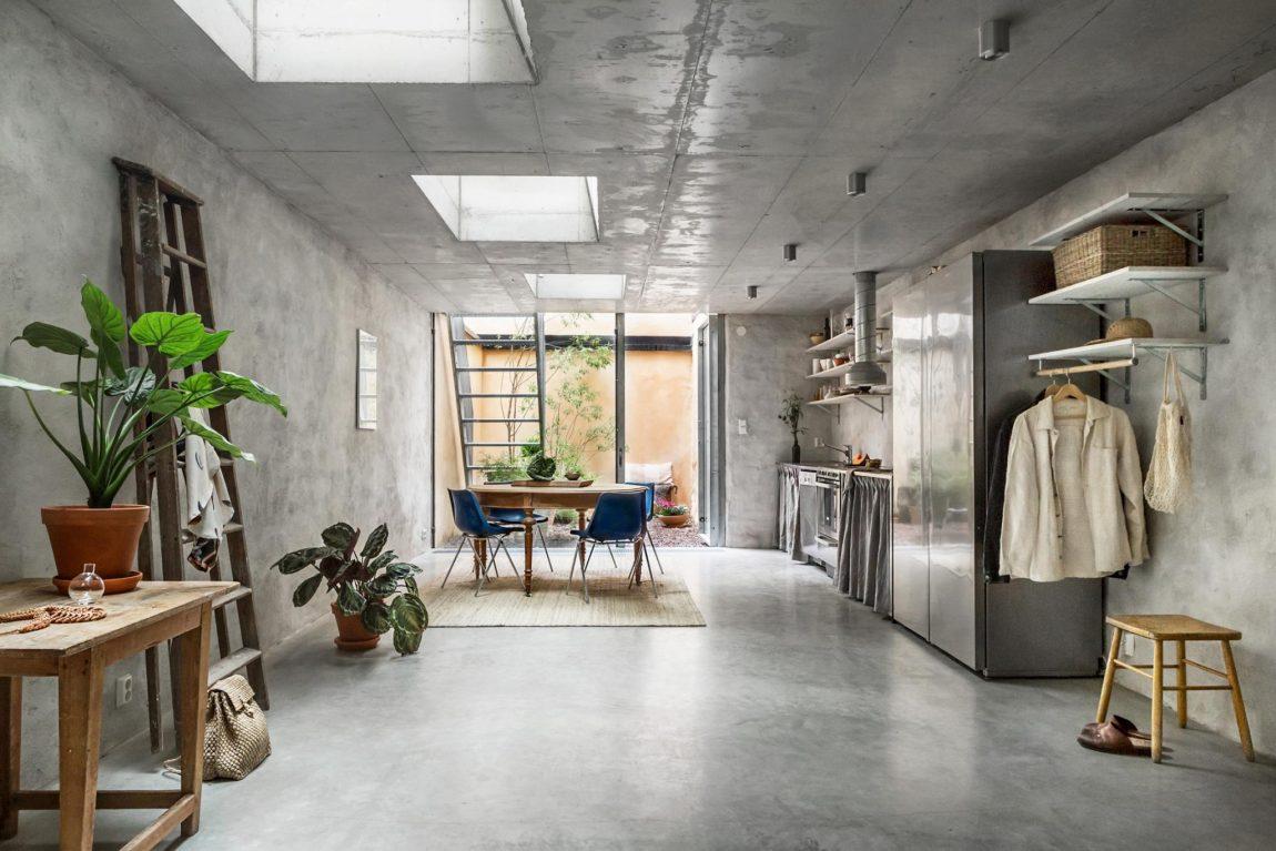 Het interieur van deze woning is volledig bewerkt met betonstuc