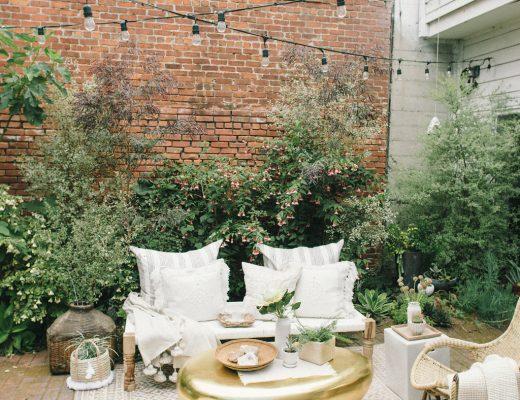Interieurontwerpster Caitlin ontwerpt kleine patio tuin
