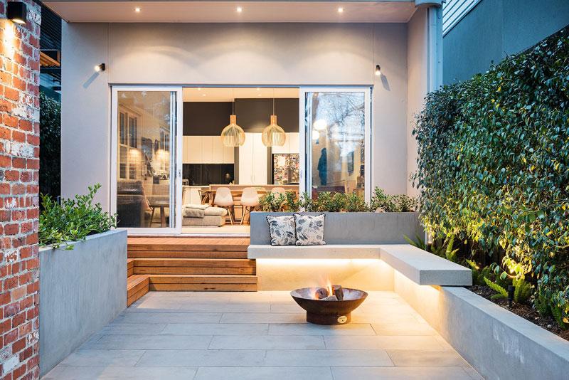 Intieme moderne tuin